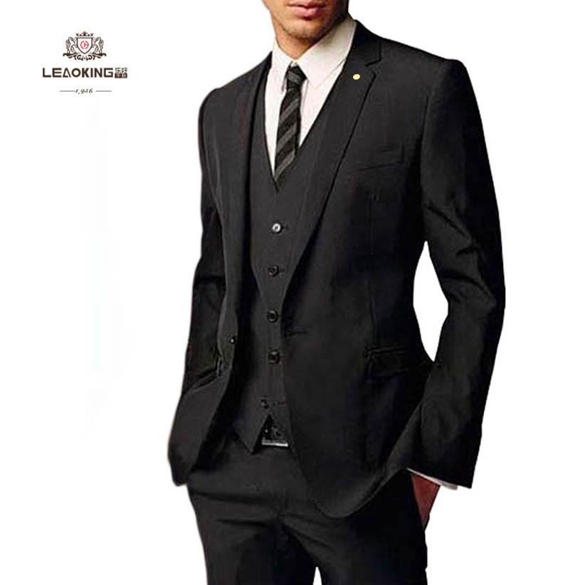 黑色毛料西装